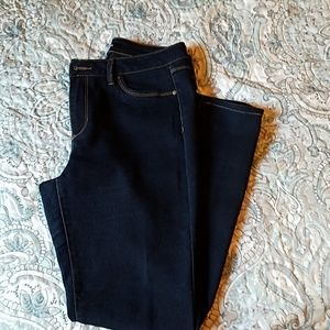 d. Jeans stretch jeans